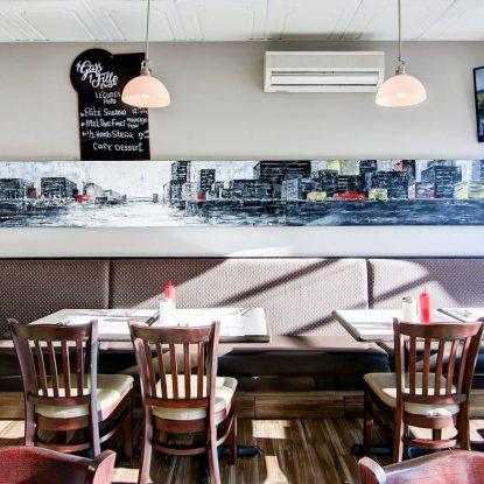 1 Gars 1 Fille Chez Vic Restaurant RestoMontreal