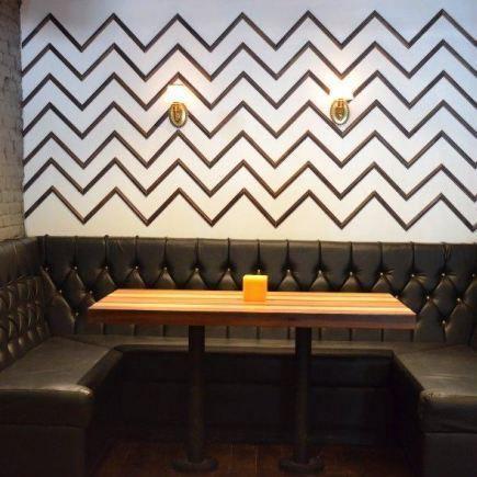Photo 1 - Lobby Bar Restaurant RestoMontreal