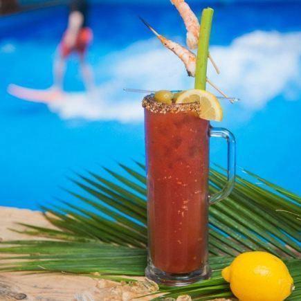 Oasis Surf - Dix30 Restaurant RestoMontreal